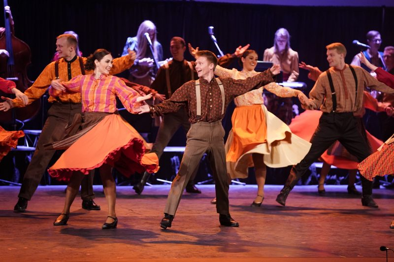 International Folk Dance Ensemble 15