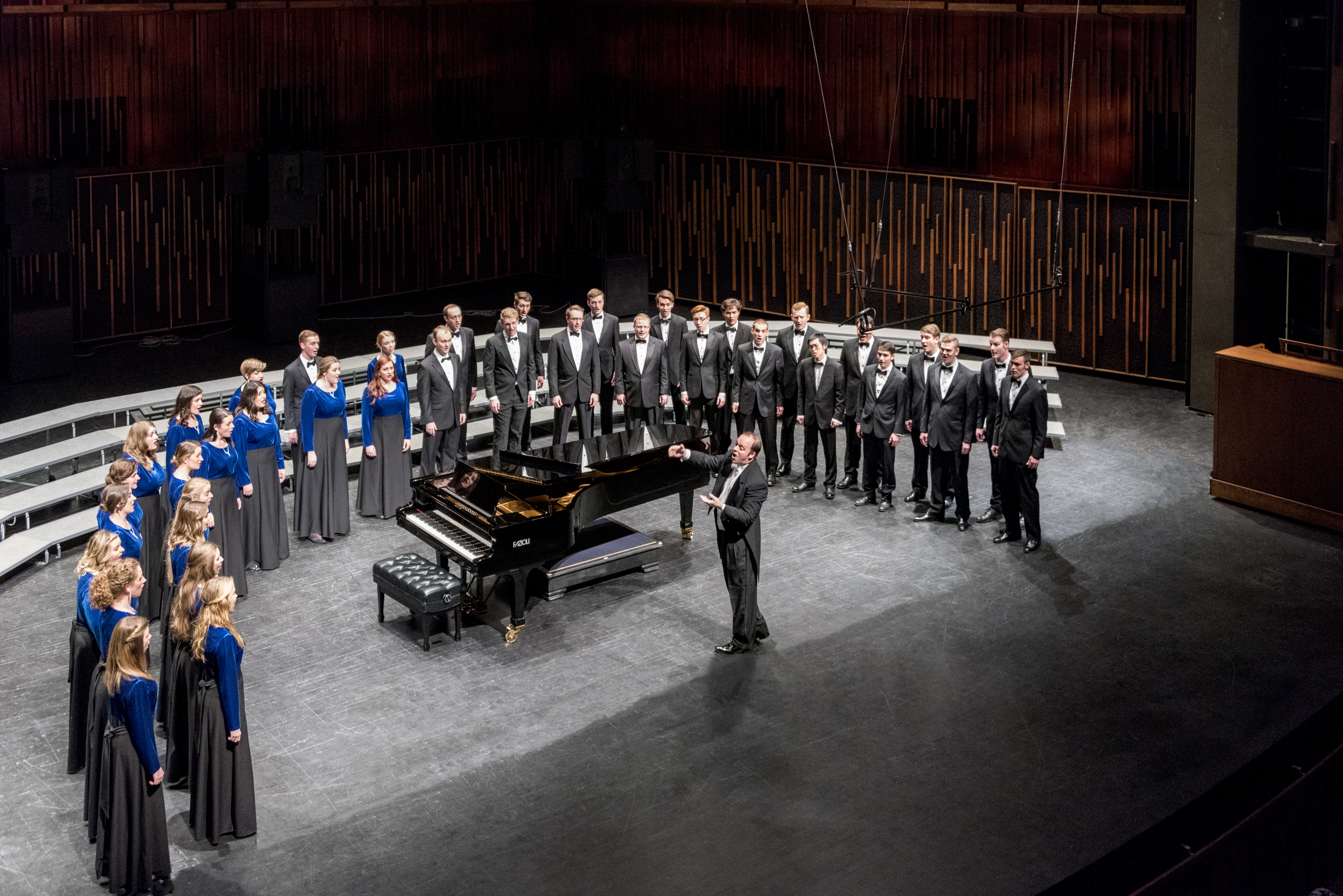 BYU Singers with conductor Andrew Crane at BYU de Jong Concert Hall 2017. Photo by Sandefur Schmidt.