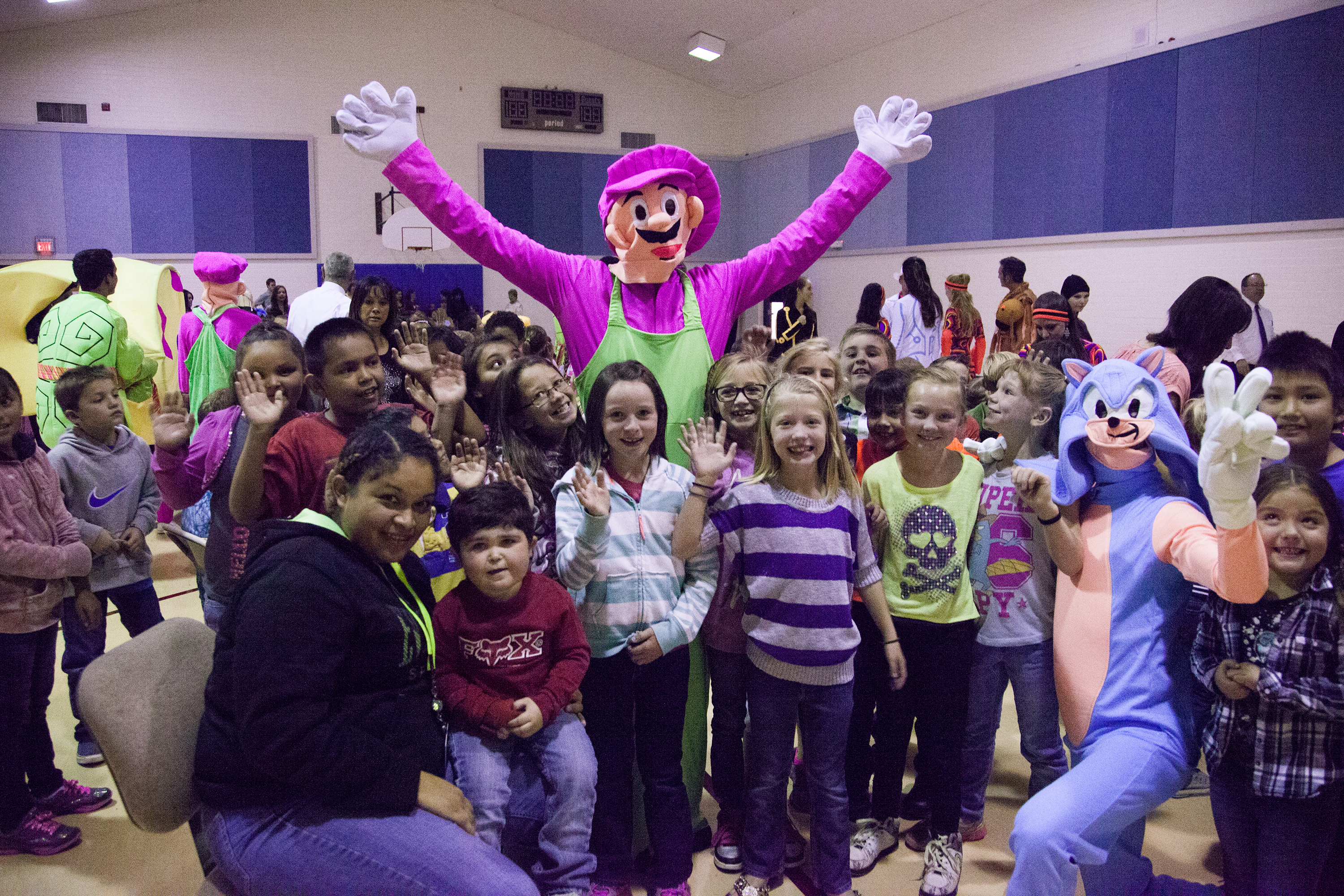 https://pam.byu.edu/wp-content/uploads/2015/02/2014-Oct-BDC-AZ-Tour-9-St-Johns-Elem-show-5.jpg