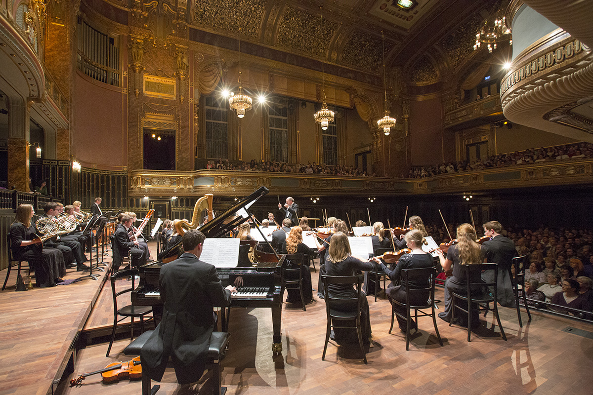 https://pam.byu.edu/wp-content/uploads/2017/04/2014-May-15-Budapest-Concert-in-Liszt-Academy-00-CHO-May15-78.jpg